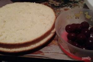 Бисквитный торт с вишнями - фото шаг 9