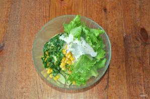 Салат с капустой, огурцами и кукурузой - фото шаг 6