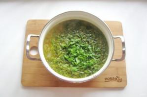 Щавелевый суп с мясом и яйцом - фото шаг 8
