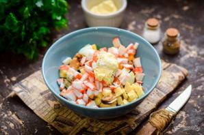 Салат с мидиями и крабовыми палочками - фото шаг 6