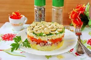 Слоеный салат с бужениной - фото шаг 11