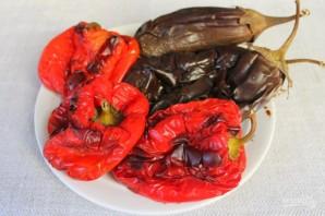 Острая закуска из печеного болгарского перца и баклажан - фото шаг 3