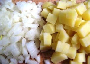 Простой салат из печени трески - фото шаг 1