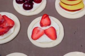 Слоеные пирожки на завтрак - фото шаг 3