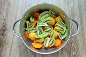 Варенье из абрикосов и киви - фото шаг 3