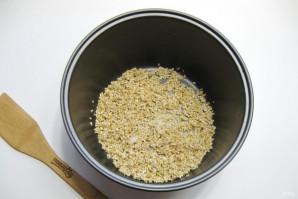 Ячневая каша на воде в мультиварке - фото шаг 3