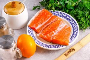 Засолка красной рыбы с лимоном - фото шаг 1