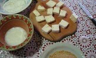 Жареный сыр бри в панировке - фото шаг 5