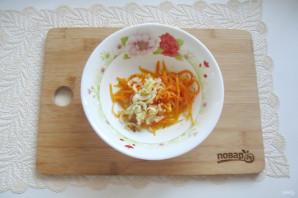 Салат с языком и морковью - фото шаг 10