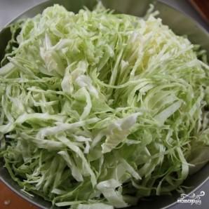 Капустный салат с редькой и шалфеем - фото шаг 3