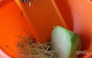 Салат из редьки зеленой - фото шаг 1