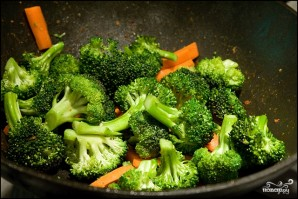 Куриное филе, тушенное с овощами - фото шаг 2