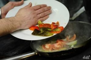 Салат из тушеных овощей - фото шаг 12