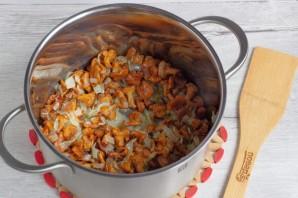 Деревенский суп с лисичками - фото шаг 4