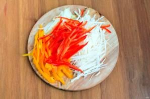 Салат со свеклой и редькой - фото шаг 2