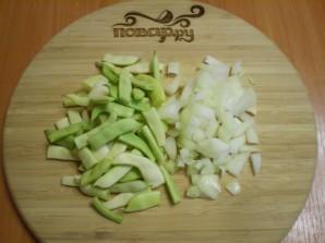 Салат из зеленой фасоли с яйцами - фото шаг 2