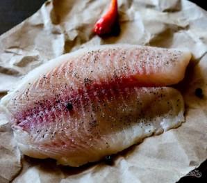 Рыба с луком - фото шаг 1