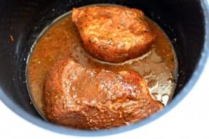 Запеченная свинина для бургеров - фото шаг 2