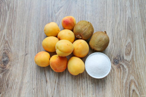 Варенье из абрикосов и киви - фото шаг 1
