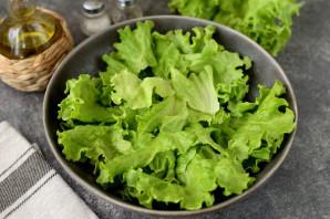 Салат с копченой салакой - фото шаг 4