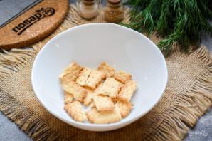 Салат с тунцом и крекерами - фото шаг 2