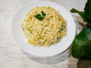 Салат с картошкой, курицей, грибами и сыром - фото шаг 7