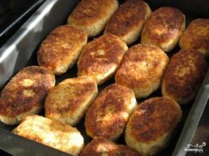 Картофельные котлеты с фаршем в духовке - фото шаг 4