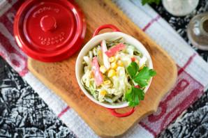Крабовый салат с соленым огурцом - фото шаг 9