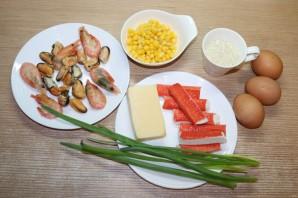 Новый салат с крабовыми палочками - фото шаг 1