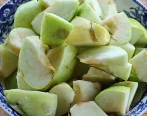 Козлятина с яблоками и черносливом - фото шаг 3