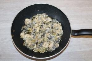 Паста с грудкой и грибами - фото шаг 11