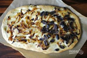 Фокачча с луком и оливками - фото шаг 10