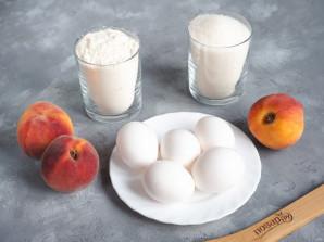 Бисквит с персиком - фото шаг 1