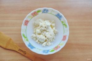 Творожный соус с чесноком и зеленью - фото шаг 2