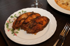 Горбуша в сливочно-чесночном соусе - фото шаг 7