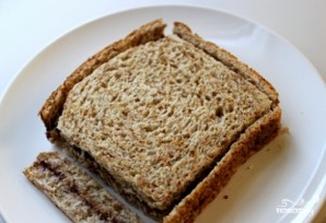 Жареный хлеб с чесноком - фото шаг 1