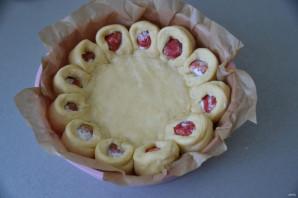 Дрожжевой пирог с клубникой - фото шаг 13