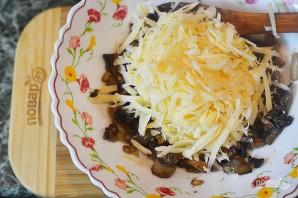 Пирожки-лодочки с сырно-грибной начинкой - фото шаг 4