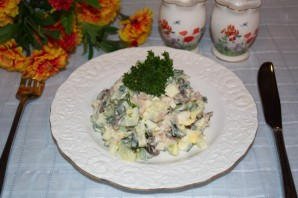 Салат с копченой курицей и шампиньонами - фото шаг 4