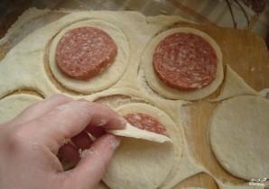 Колбаса в тесте - фото шаг 2