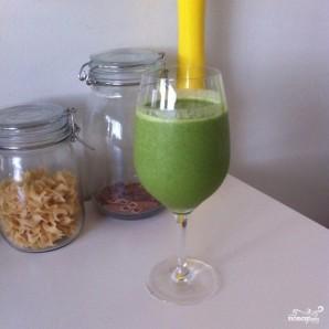 Зеленый коктейль с финиками - фото шаг 4