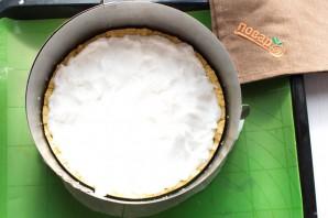 Творожный пирог со смородиной и меренгой - фото шаг 8