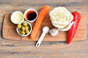 Салат с пекинской капустой и оливками - фото шаг 1