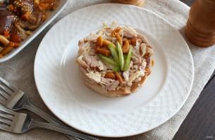 Салат с мясом и маринованными грибами - фото шаг 6