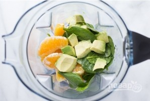 Смузи с фруктами и авокадо - фото шаг 2