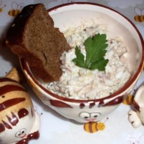 Салат с сайрой - фото шаг 9
