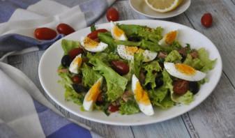 Зелёный салат с красной рыбой - фото шаг 7