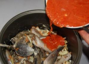 Консерва из рыбы в мультиварке - фото шаг 5