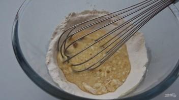 Тоненькие блины на молоке - фото шаг 2