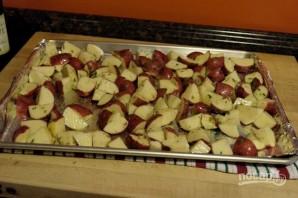 Запеченный картофель с чесноком и розмарином - фото шаг 5